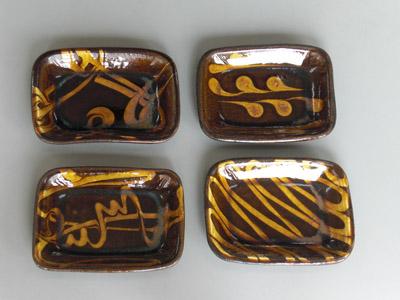 小代焼(ふもと窯)(井上尚之作) 角皿(大小各種) スリップウエア(長径175)