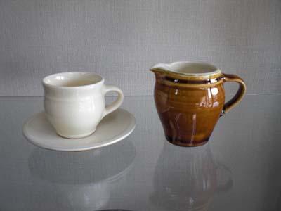 出西窯 コーヒー碗、小ピッチャー